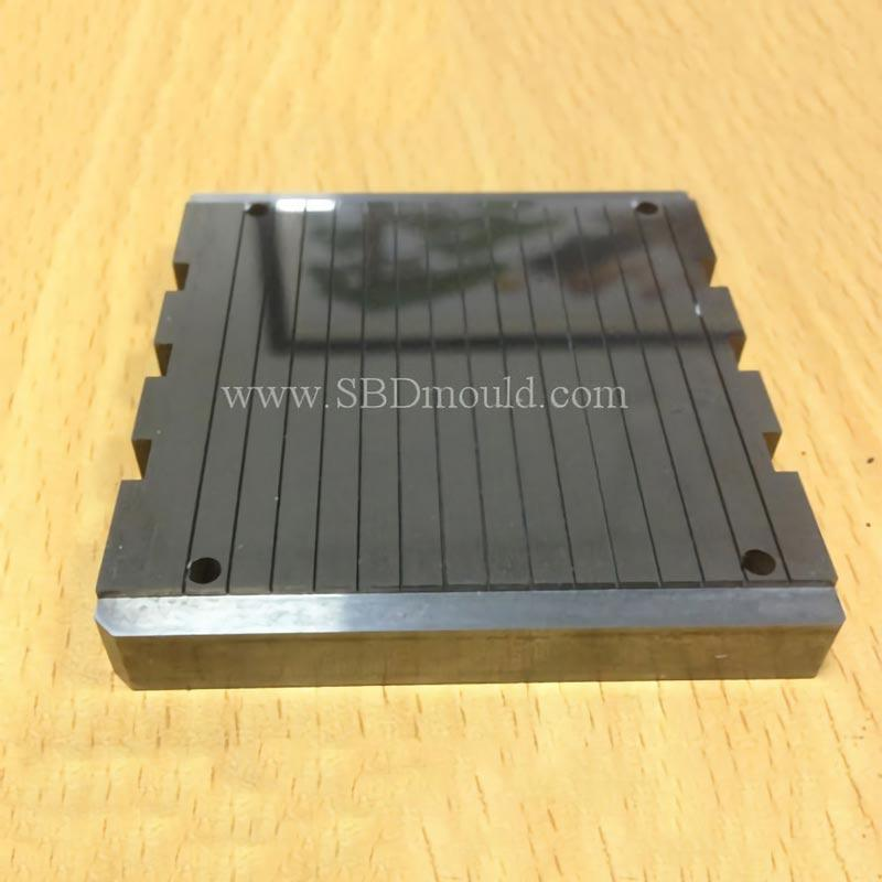 OEM hardened metal well finished plate with narrow groove on surface